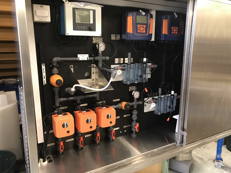Chlorine And Ph Analyzer Cabinet For Potable Water Sampling